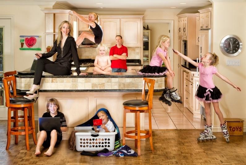 Ottawa Extreme Family Photographer JVLphoto - Julie Cole and family