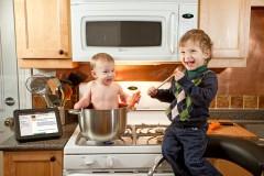 Ottawa-Family-Photographer-Justin-Van-Leeuwen-Delicious Baby Brother