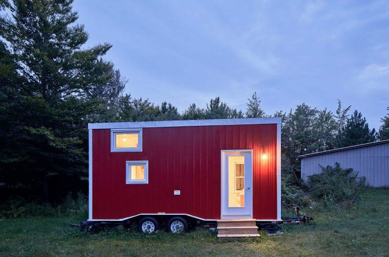 Tiny Home by Justin Van Leeuwen JVLphoto for Ottawa Magazine